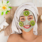 Apply papaya pack for acne and whiteness, make skincare packs at home